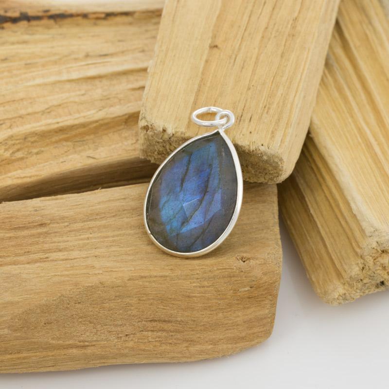 Beautiful FacetedLabradorite Pendant \u2013 Sterling Silver \u2013 Labradorite Jewelry \u2013 Blue Stone Pendant \u2013 Birthstone Jewelry \u2013 Moldavite