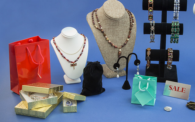 Jewelry Displays & Packaging